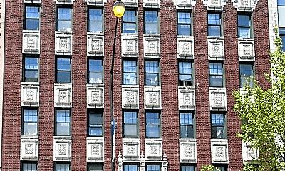 Building, 840 W Montrose Ave, 1