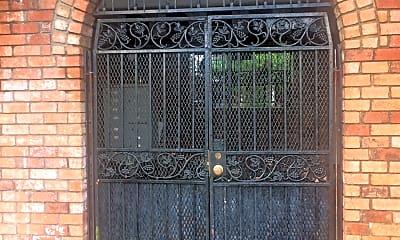 Robert E Lee Apartments, 2