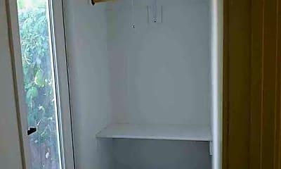 Bathroom, 446 N California St, 2