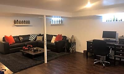 Living Room, 122 Williams St, 2