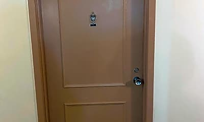 Bathroom, 118 Monroe St, 1