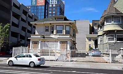 Building, 514 W MacArthur Blvd, 2