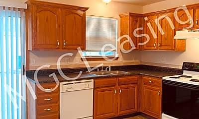 Kitchen, 514 Allen Ct, 2