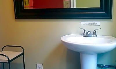Bathroom, 534 E 5th St, 2