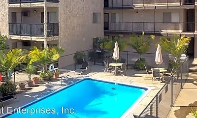 Pool, 340 Burchett St, 1