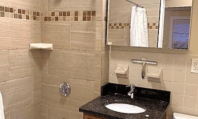 Bathroom, 15 Hewlett St, 2