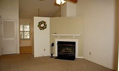 Living Room, 516 Park Ct, 1