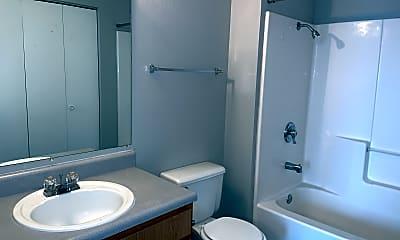 Bathroom, Hunter's Glen Apartments, 2