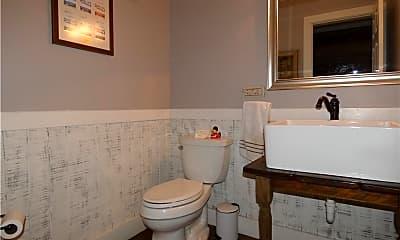 Bathroom, 168 Fern Ave, 2