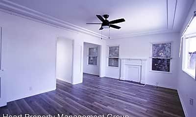 Living Room, 2322 Eucalyptus Ave, 0