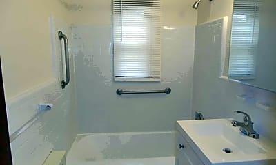 Bathroom, 482 Broad Ave 4, 2
