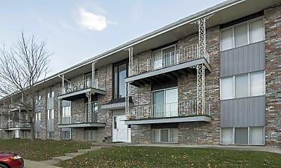 Stonleigh Apartments, 1