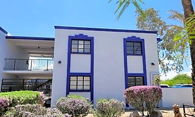 Building, 714 E 10th St, 1