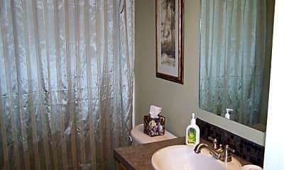 Living Room, 317 NW Chamberlain St, 2