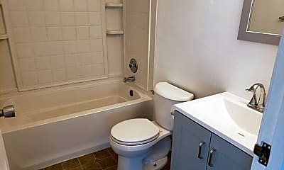 Bathroom, 1412 E 9th St, 2