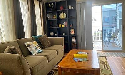 Living Room, 1221 Nettles Blvd, 2
