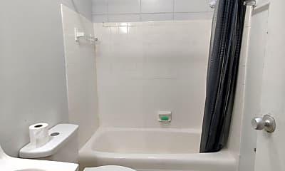 Bathroom, 662 Liberty St, 2