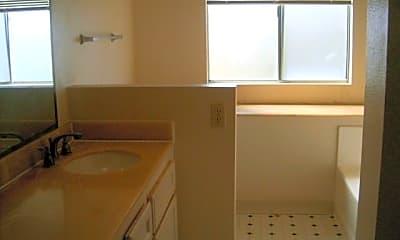 Kitchen, 19 Casselman Ct, 2