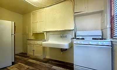 Bathroom, 301 S 18th St, 1