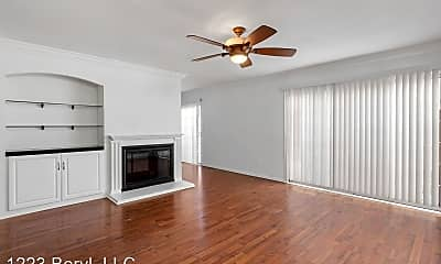 Living Room, 1223 Beryl St, 0