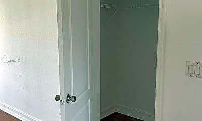 Bathroom, 10270 E Bay Harbor Dr, 1