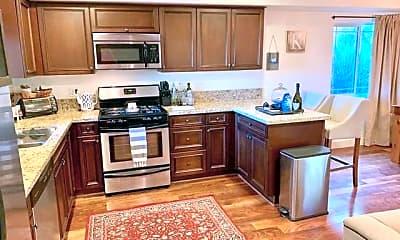 Kitchen, 5315 Bellingham Ave 104, 1