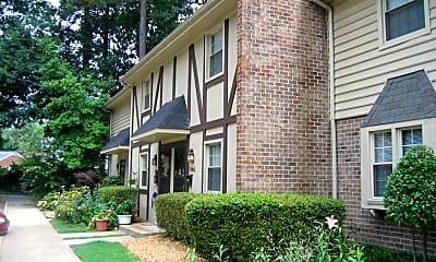 Building, Foxcroft I Apartments, 1