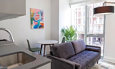 Living Room, 600 4th St SW, 2