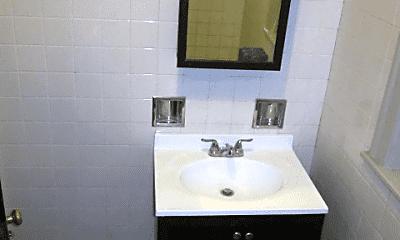 Bathroom, 836 N Massasoit Ave, 2