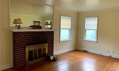 Living Room, 67 Westmoreland Dr, 1