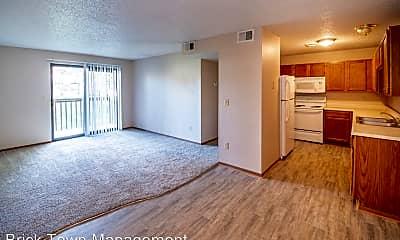 Living Room, 105 W Gold Coast Rd, 1
