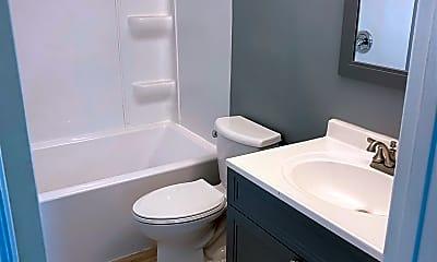 Bathroom, 4405 S Park Dr, 2