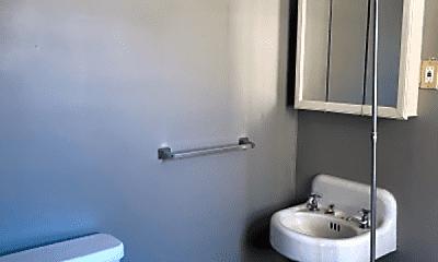 Bathroom, 170 Elm St, 0