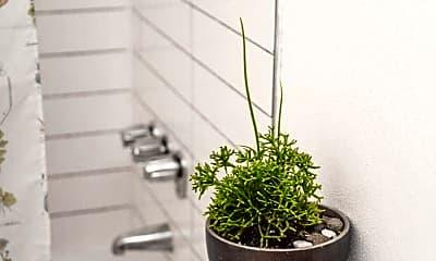 Bathroom, 4024 SE Pardee St, 0