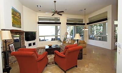 Living Room, 1116 W Titleist Dr, 0