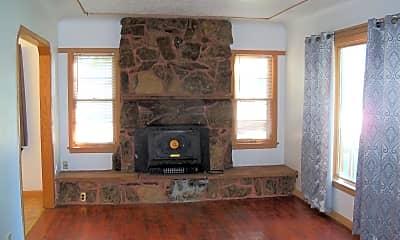 Living Room, 803 Custer Ave, 1