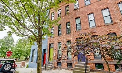 Building, 329 E Lanvale St, 2