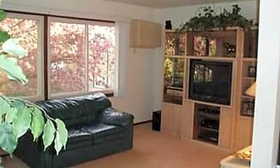 Evergreene Apartments, 2