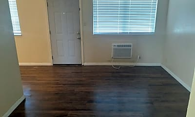 Living Room, 150 E Orangeburg Ave, 1