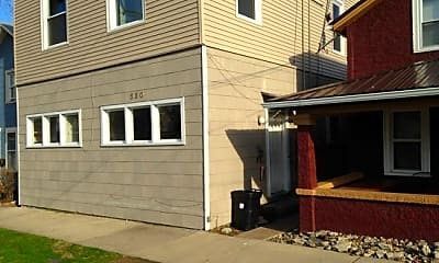 Building, 530 E Adams St, 1