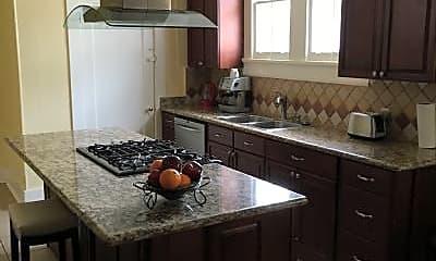 Kitchen, 811 Solomon Pl, 2