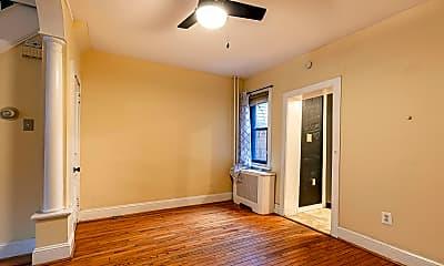 Living Room, 2959 Chatham St, 1