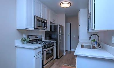 Kitchen, 1377 E Windsor Rd, 0