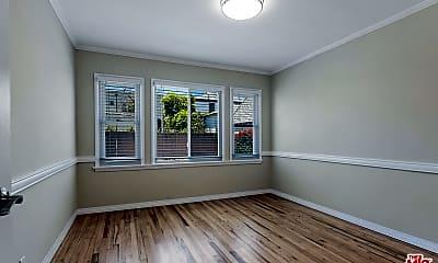 Living Room, 1563 S Spaulding Ave, 2