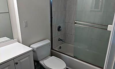 Bathroom, 34102 La Serena Dr, 2