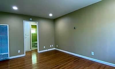 Living Room, 317 Warwick Ave, 1