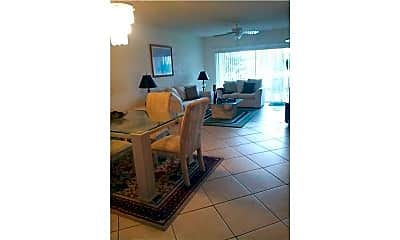 Living Room, 2801 N Palm Aire Dr 207, 1