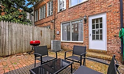 Patio / Deck, 2435 I St NW, 2