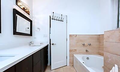 Bathroom, 3329 S Prairie Ave, 1