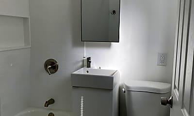 Bathroom, 1135 Dawson Ave, 2
